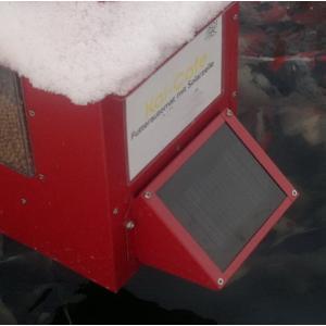 Zonnepaneel voor voederautomaat koi cafe